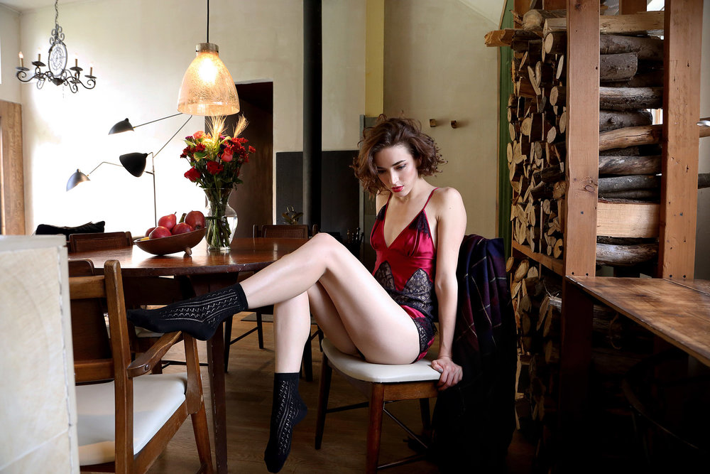 holiday-14-bts-lingerie-lookbook-red-deco-lace-cami-window-3.jpg