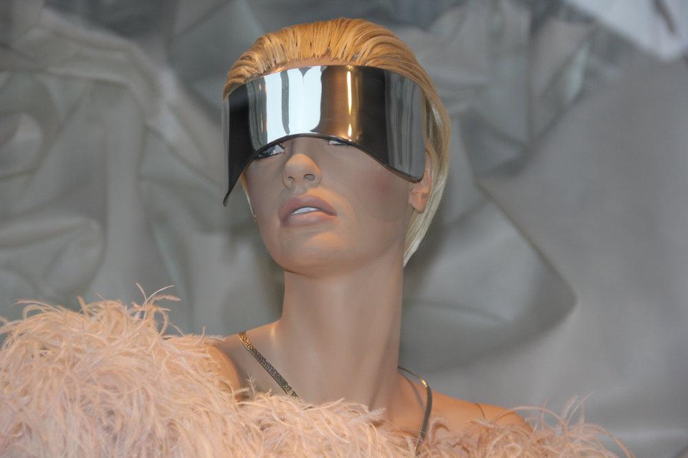 The-Emerging-Designer-Alexander-McQueen-10.jpg