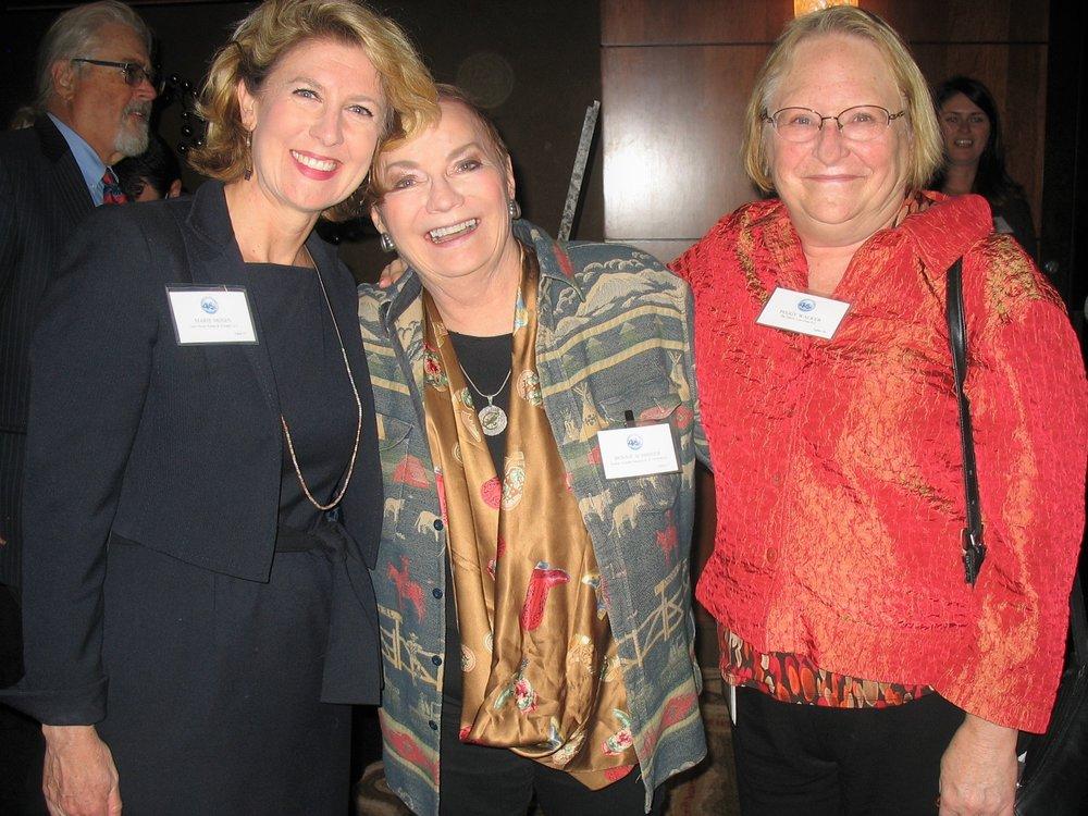 DSCN1296 Marie Moses, Bonnie Schriner & Peggy Walker.JPG