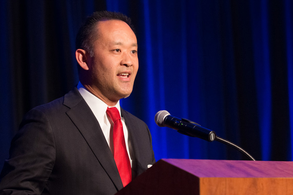H64 Kenzo Kawanabe Presents the Outstanding Sustained Contribution Award 1 (Photo courtesy of Hartmannphoto, LLC).jpg