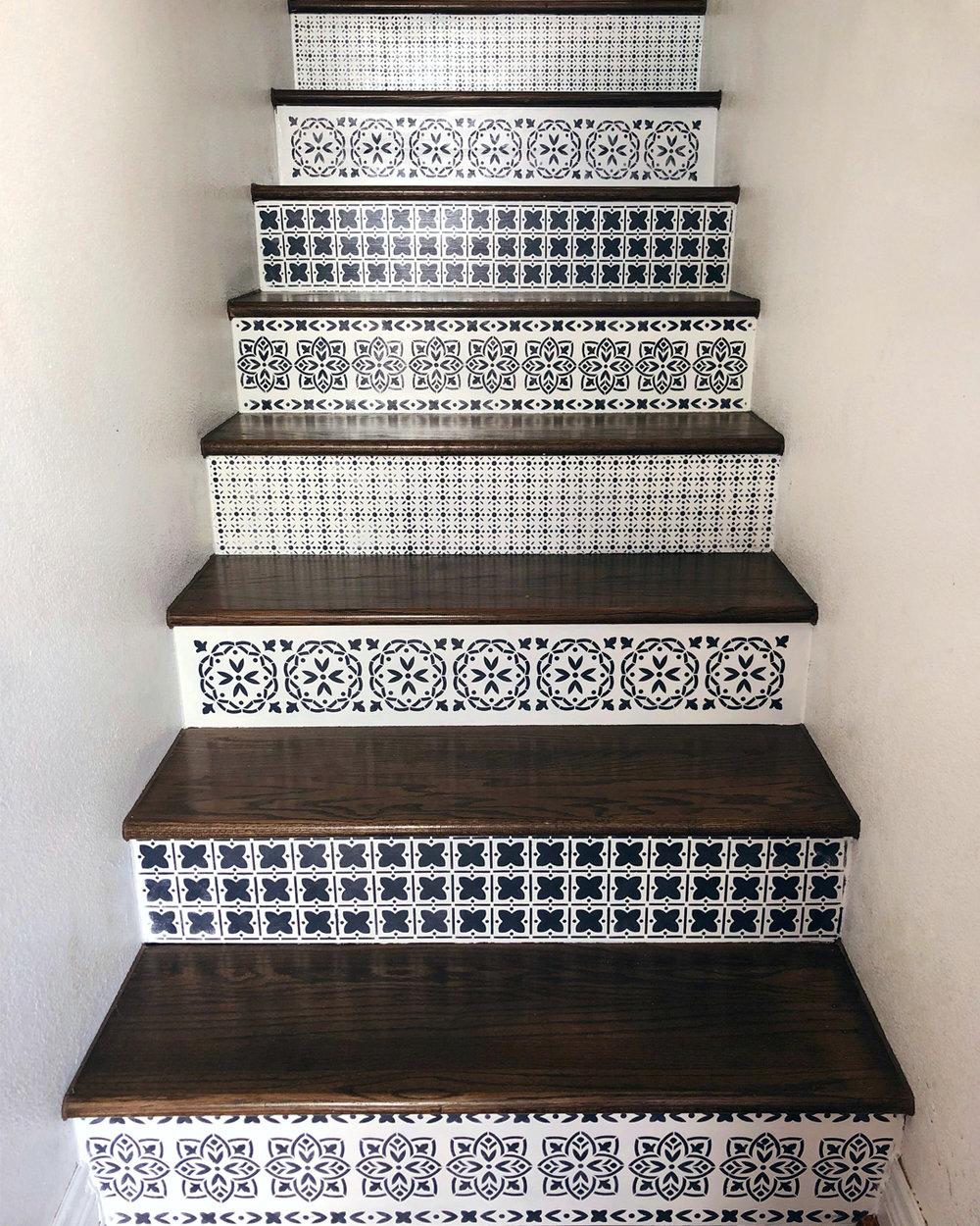 Painted Stairs 12.jpg
