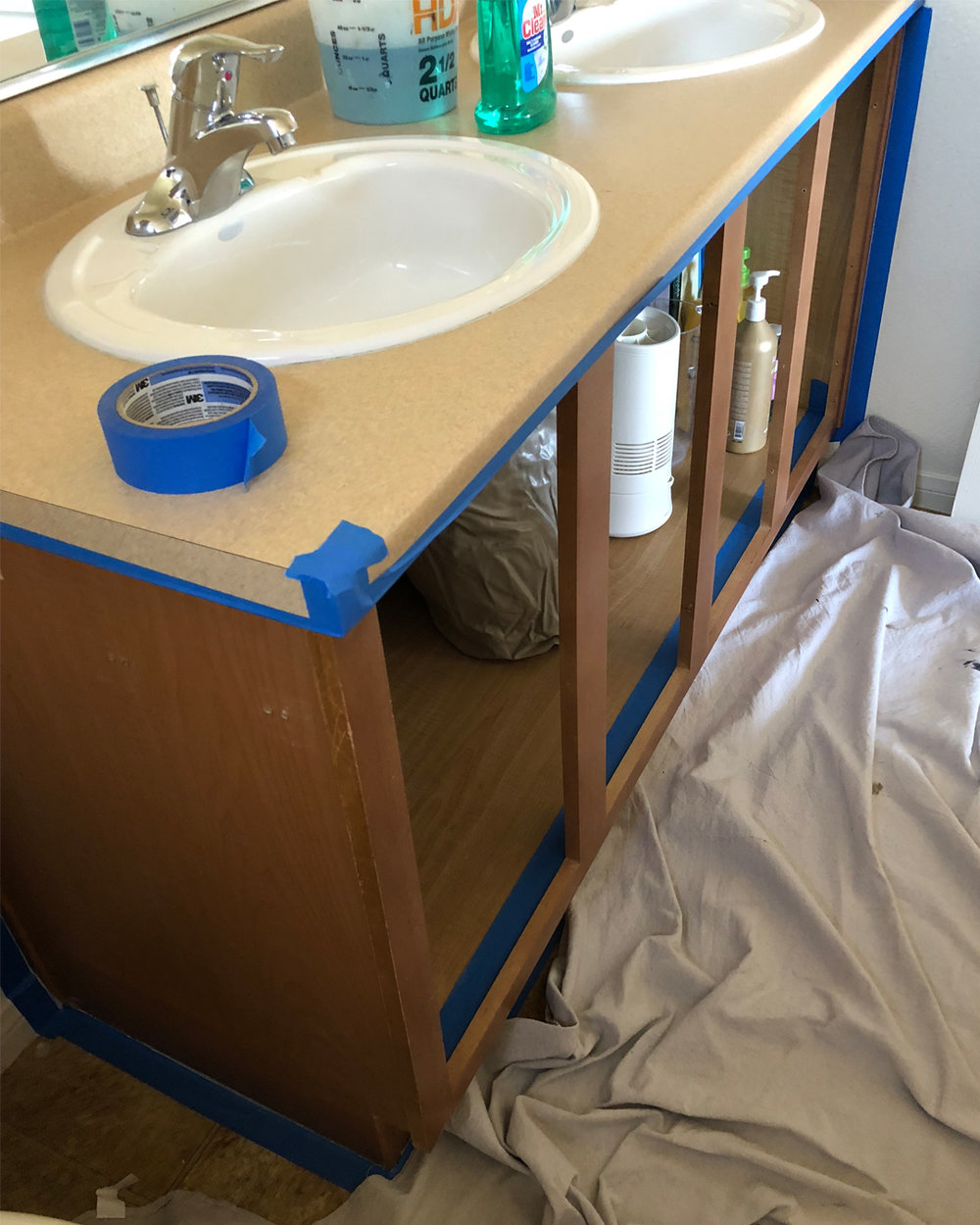 bathroom makeover on a budget, do it yourself home projects, do it yourself affordable home projects, bathroom makeover, BB Frosch, bathroom before and afters, do it yourself bathroom makeover, DIY bathroom makeover, do it yourself bathroom makeover inspiration