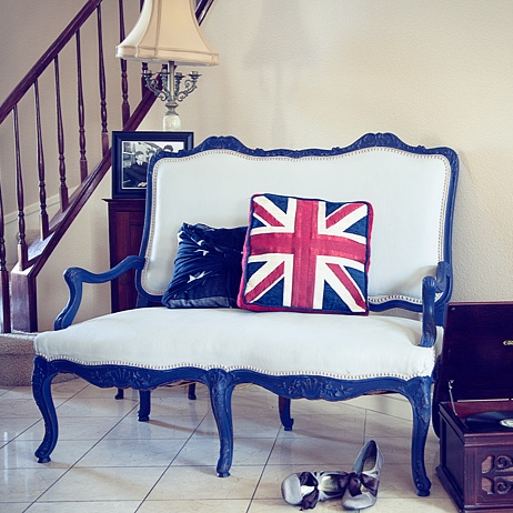 painted-fabric-french-settee-after.jpg