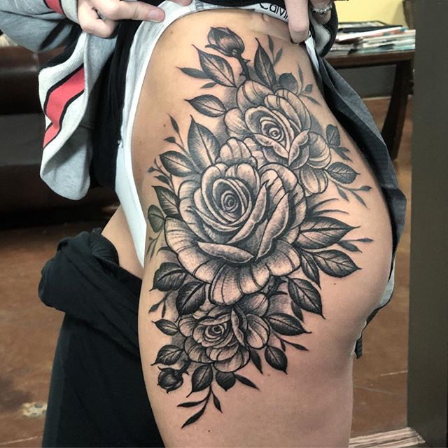 Did this super fun piece for @ashtoncason tonight! Such a fun tattoo and she sat like a damn champ! Thanks for looking! . . . . . #terynlanceart #blackcobratattoos #heliosproteam #heliostattoo #littlerock#arkansas #tattoo#insta#instagood#instatattoo#ink#rosetattoo #rose#instagram