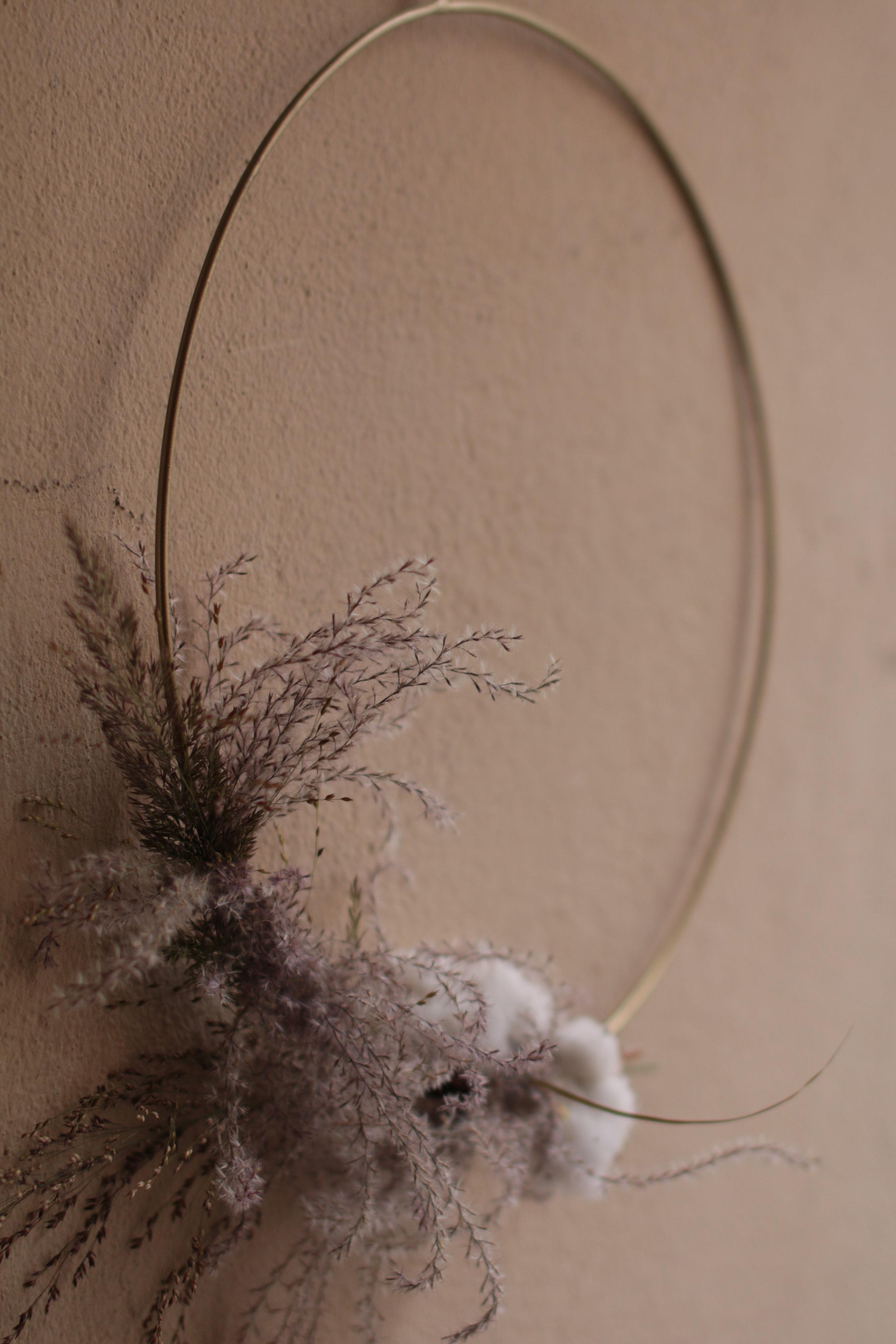 Pampa heinä/pampas grassa, cotton, dried flower, modern wreath