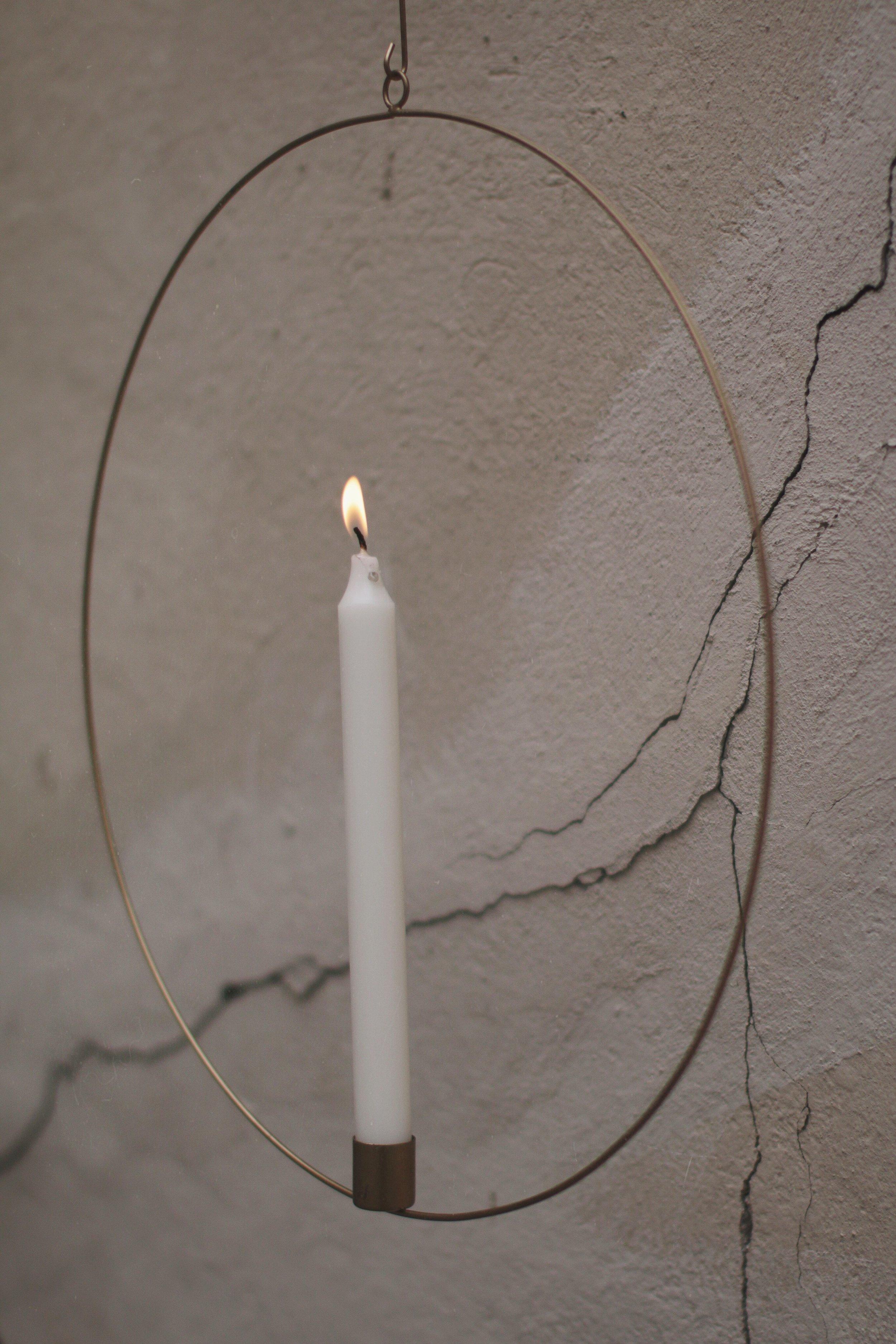 kupari, kynttiläkranssi ikkunalle