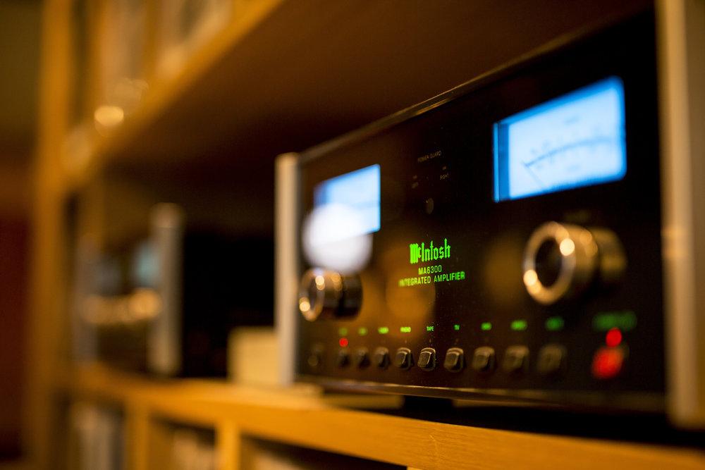 amp: McIntosh MA6900