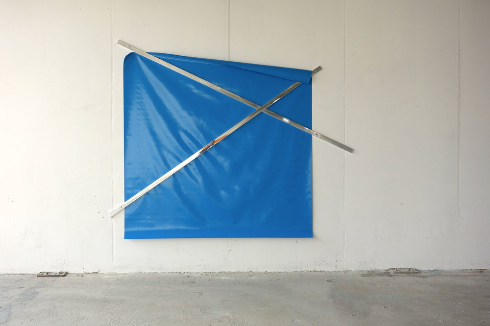 o.T. (untitled), 2009  PVC tarpaulin, water blue (218 x 218 cm), aluminum, polished (300 x 5 x 2 cm), 235 x 290 x 2 cm