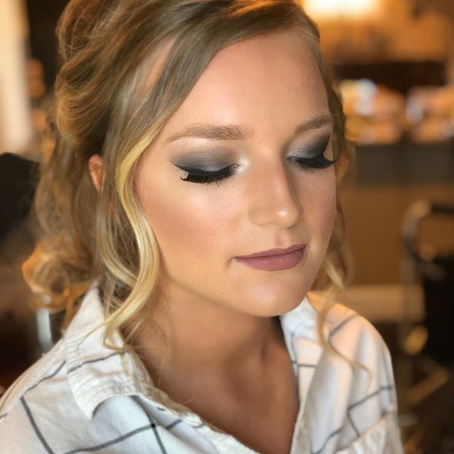 Dark Smokey eye and a loose messy ponytail.. how can you go wrong 🤷🏼♀️ This gorgeous lady is wearing #smcosmetics Flawless Finish Foundation, Lip Color Chit Chat and The Glamorous Bride All in one Palette.  Visit our website at shannonmichaelstyle.com 🙌🏼🙌🏼🙌🏼 #bridesmaidmakeup #makeupideas #bridesmaidhair #smcosmetics #makeup #weddingmakeup #bridesmaidhair #promhair