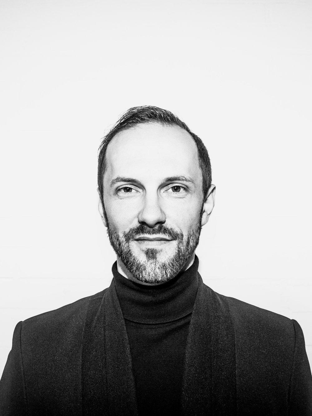 Branko Popovic   Co-owner  branko@fashionclash.nl