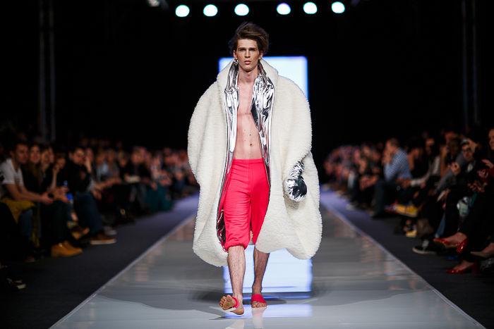 http://www.elle.pl/moda/artykul/fashion-week-poland-jivika-biervliet-wiosna-lato-2014