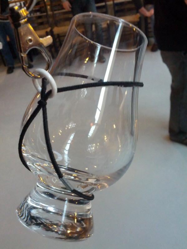 Genialt oppheng for smaksglasset (Whisky Fagmesse 2012)