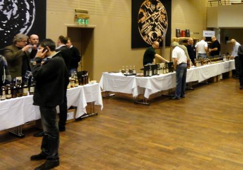 Whisky-Meet-2013-stands
