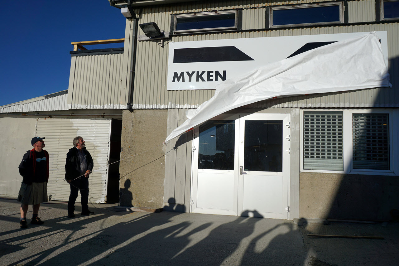 Myken Distillery - the unveiling of the new sign