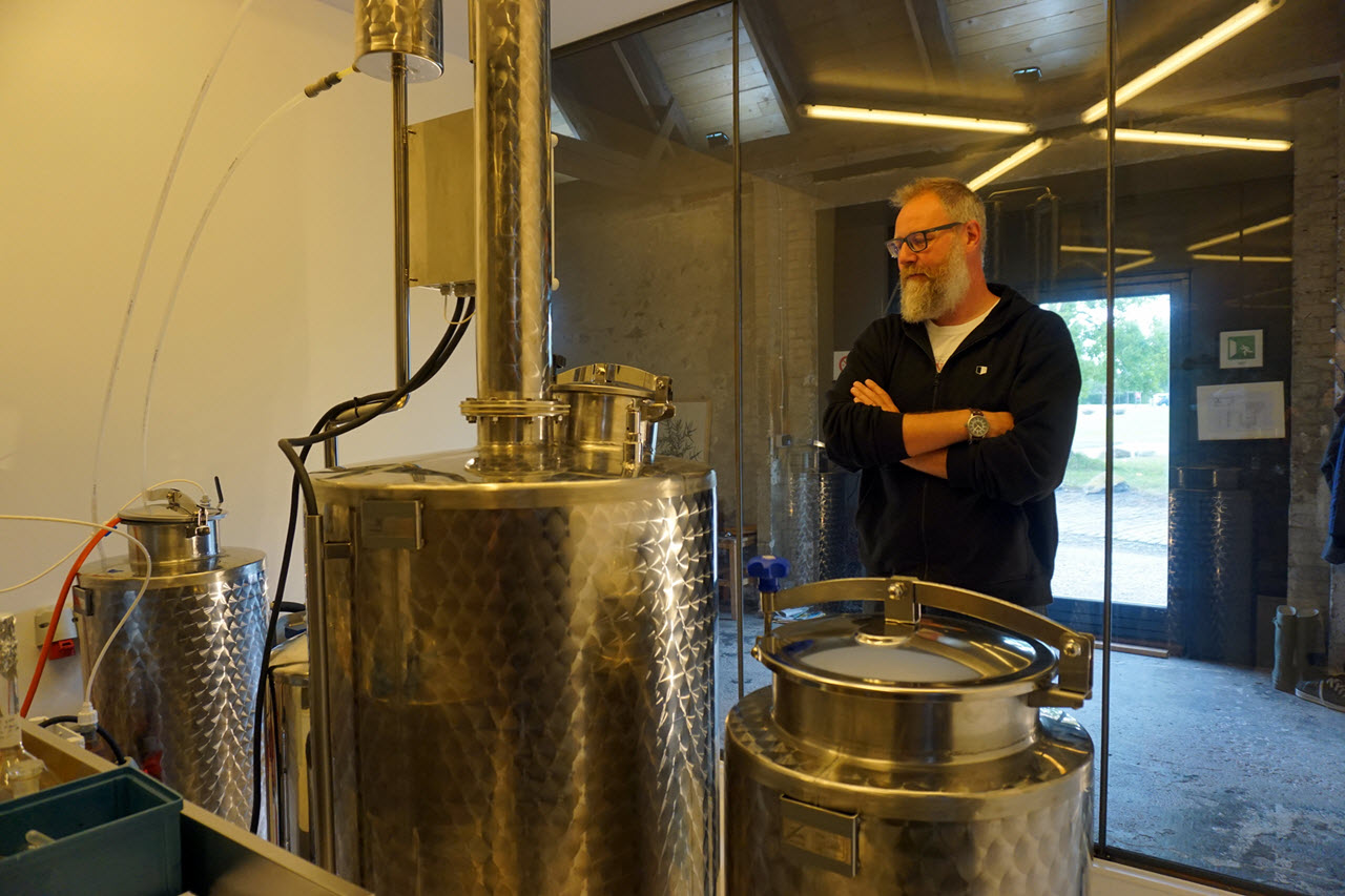 Visiting Copenhagen Distillery - Henrik and the still