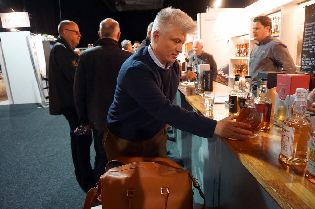 Tasting the world's oldest whisky - unpacking