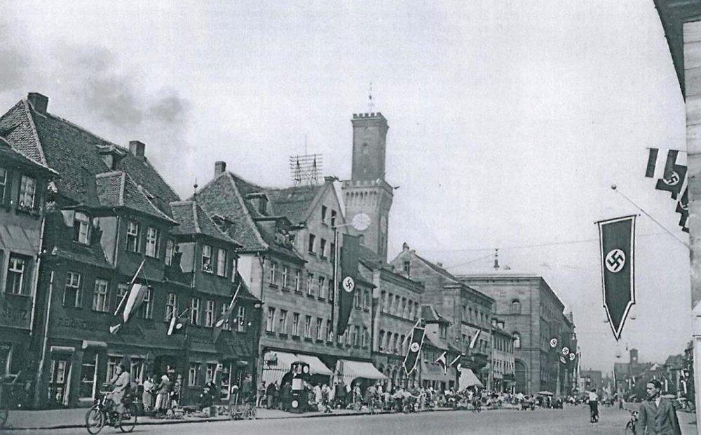 Auch die Kleeblattstadt konnte sich dem braunen Regime nicht entziehen. Foto: Geschichte Für Alle e.V. – Institut für Regionalgeschichte