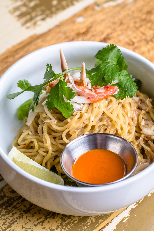 Le-Fat-Garlic-Crab-Noodle-Erik-Meadows