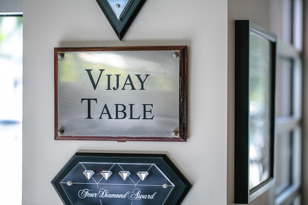 Nan-Thai-Fine-Dining-Vijay-Singh-Table-Sign-Erik-Meadows
