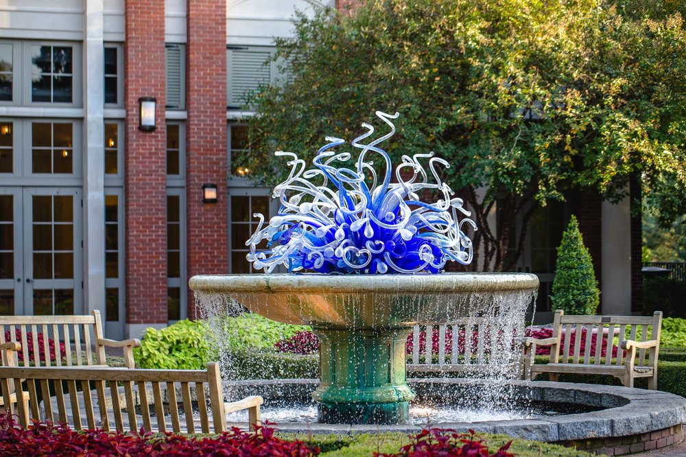 Atlanta-Botanical-Garden-Chihuly-Glass-Fountain-Mershon-Hall-Erik-Meadows