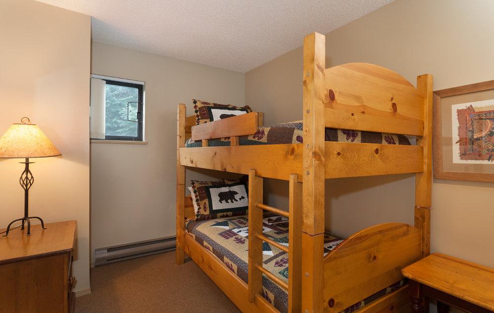 G17-Bedroom3.jpg
