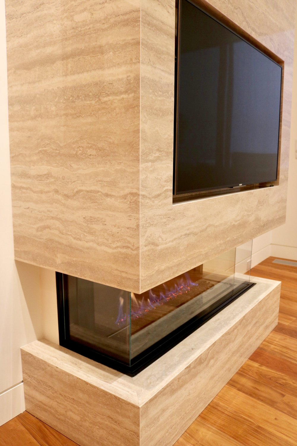 Metroworks Group Whistler Fireplace #2 39.JPG