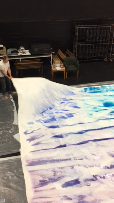 08-Lifting-Shaking-and-Moving-the-paint-371x660.jpg