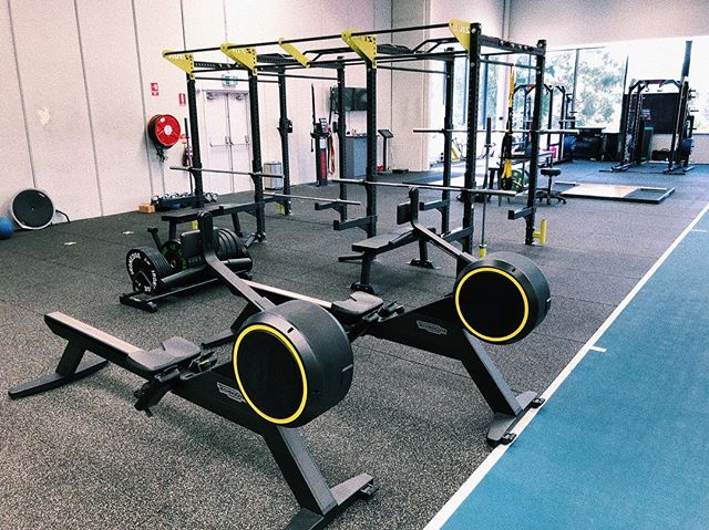 """The first of 2 new areas, our """"STRONG zone"""" is now ready for use.  New bars, bumpers, fractional plates, bands and more, for use by all.  #foundattempus"""