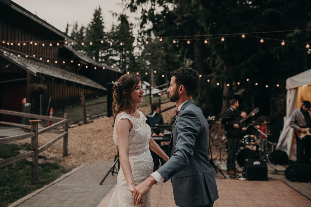 Olivia_Kyle_Mt_Hood_Wedding_0324.jpg