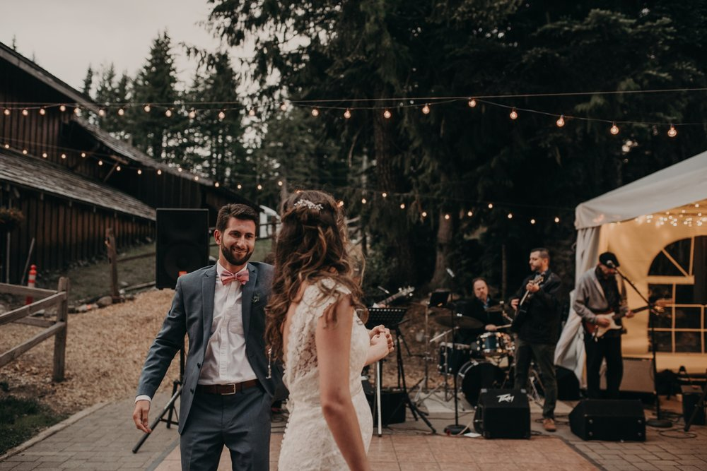 Olivia_Kyle_Mt_Hood_Wedding_0326.jpg