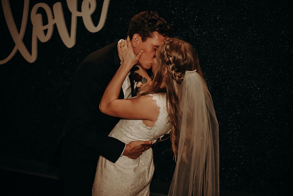 Abby_Andrew_Scottsdale_Arizona_Wedding_0880.jpg