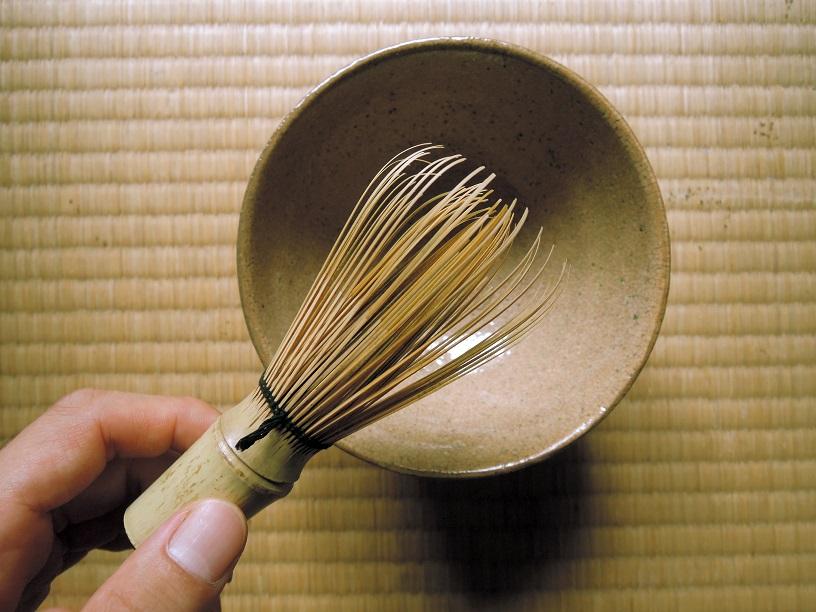 totousha bamboo whisk.JPG