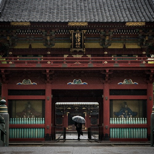 tokyo temple gate