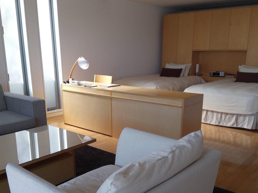 naoshima benesse house room