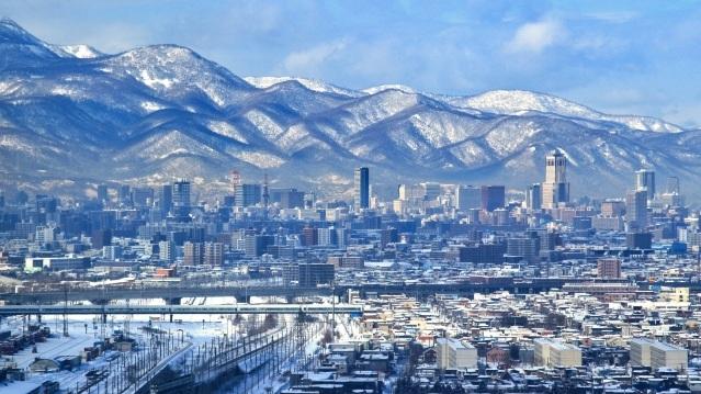 sapporo+hokkaido+snow+city+mountains.jpg