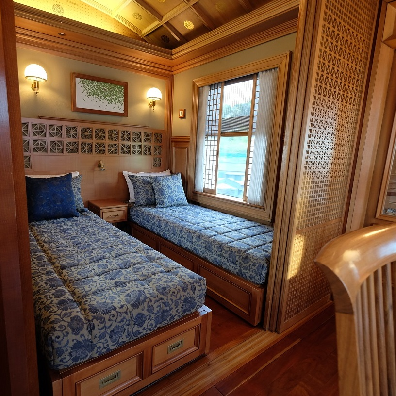 seven stars kyushu train bedroom