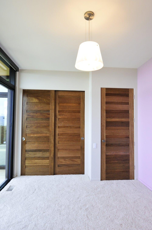 10 Panel Interior Bedroom.JPG