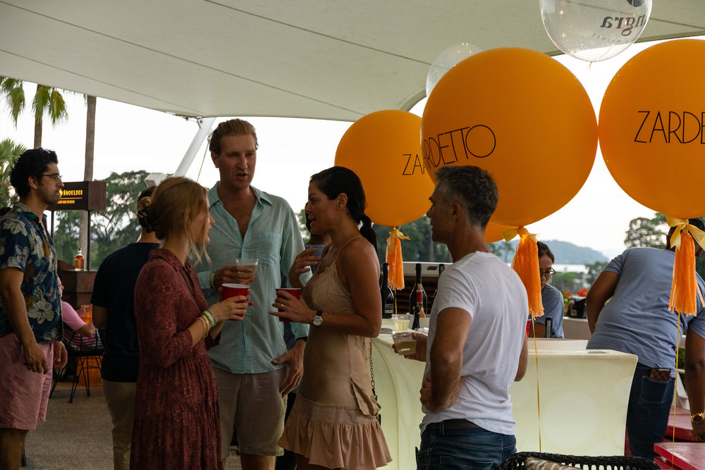 opening-party-04.jpg