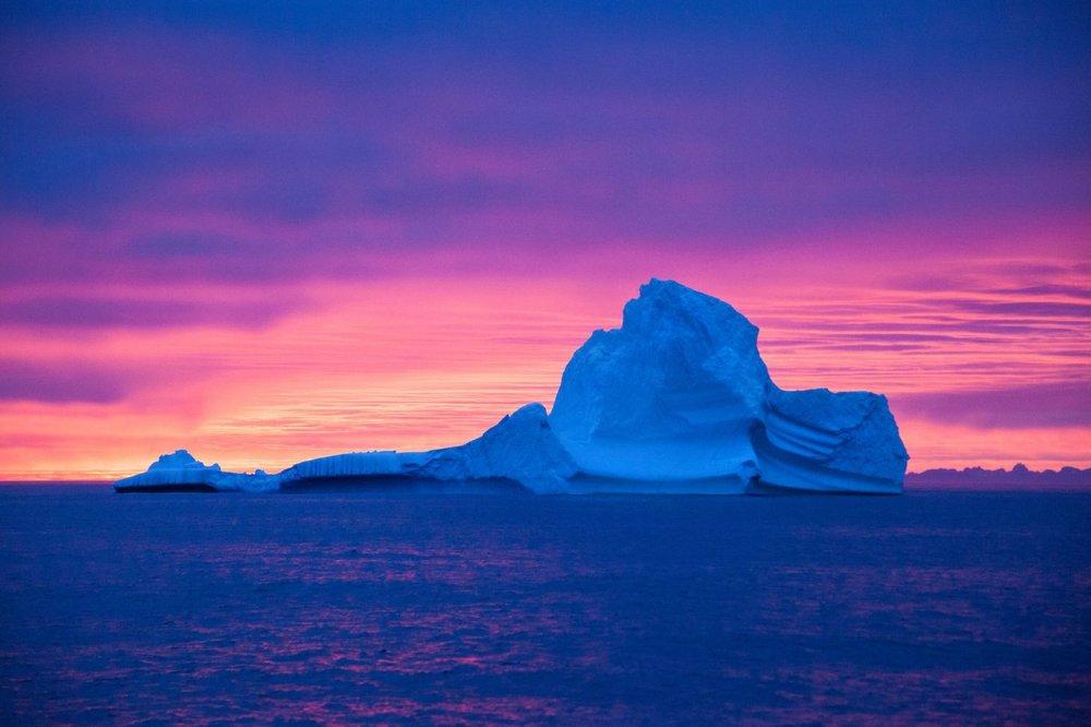 East Greenland - Sailboat - kayak - ski - dog team