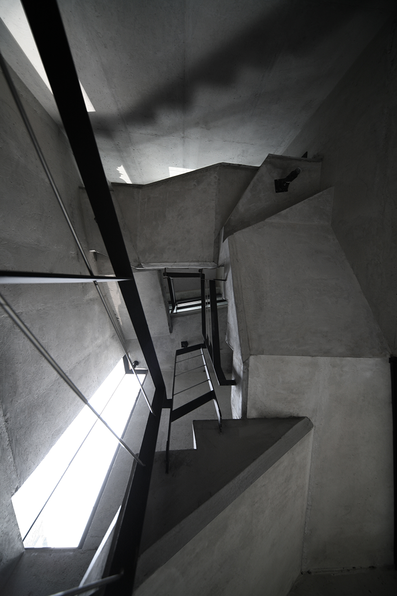 06-stair02.png