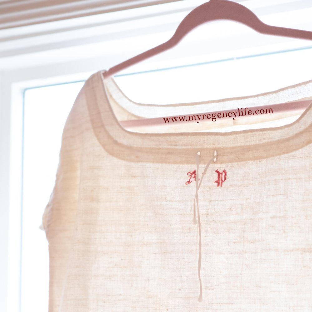 Dating an extant gArment - Questions and hypothesis on this French chemise