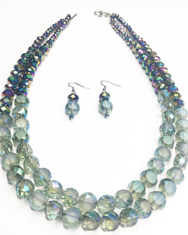 The perfect everyday jewelry set for any occasion. For custom orders send us an email for more info . . . . . . #accessories  #atlantabloggers #instafashion #holidayevents #fashion #blogger #avalonevents #womensfashion #styleinspiration #projectrunway #alpharettalocal #fashionblogger #jewelry #vogue #westelmlocal #ootd #jewelrydesigner  #holidayshoot #Atlanta #shopsmall  #smallbusiness #blackownedbusiness #realoutfitgram #fallfashion  #atlantabloggers #holidaygifts #holiday #handmadejewelrydesigner #stephaniebijoux