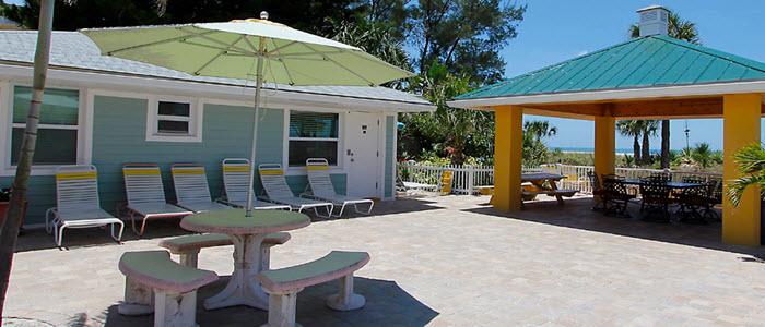 hotel-treasure-island-suncoastmotel.jpg