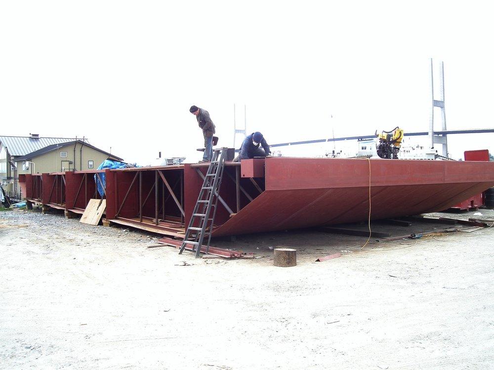 new barge.JPG