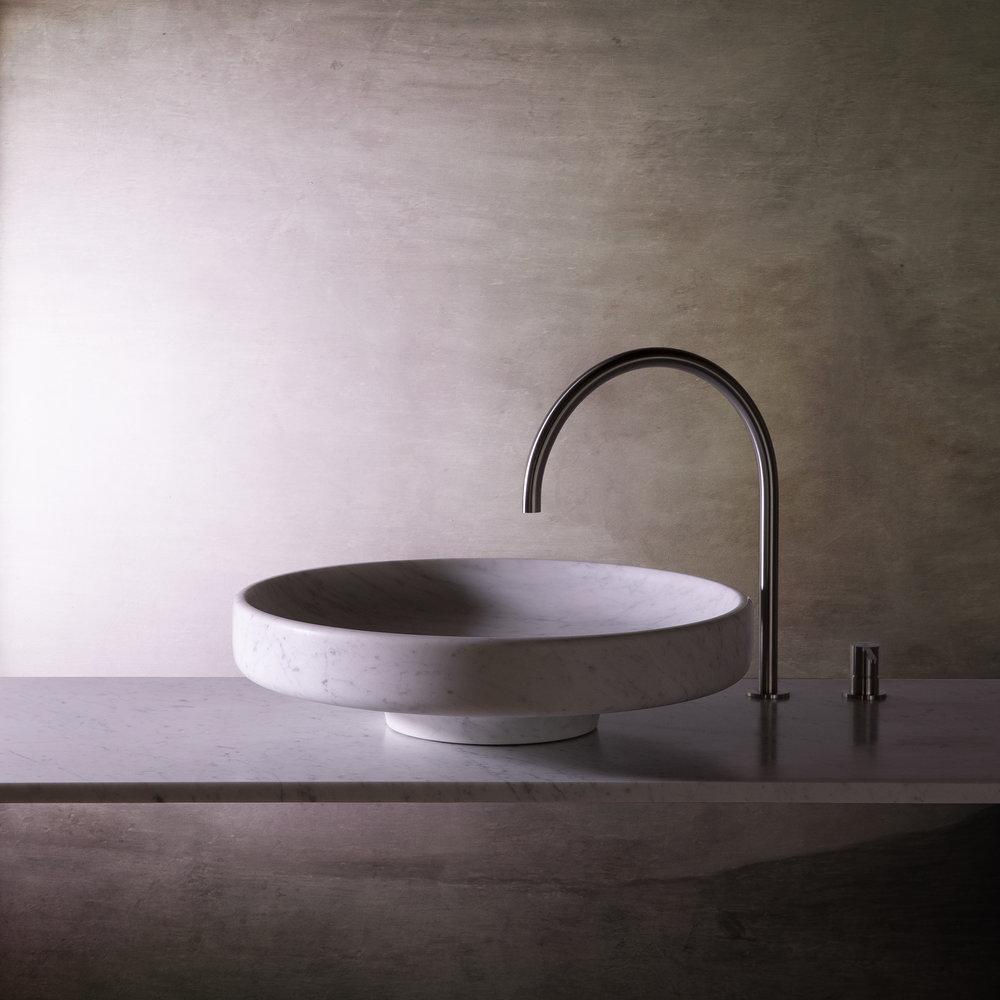 Lavabo en marbre  Grande vasque ronde en carrare  Objets architecturaux
