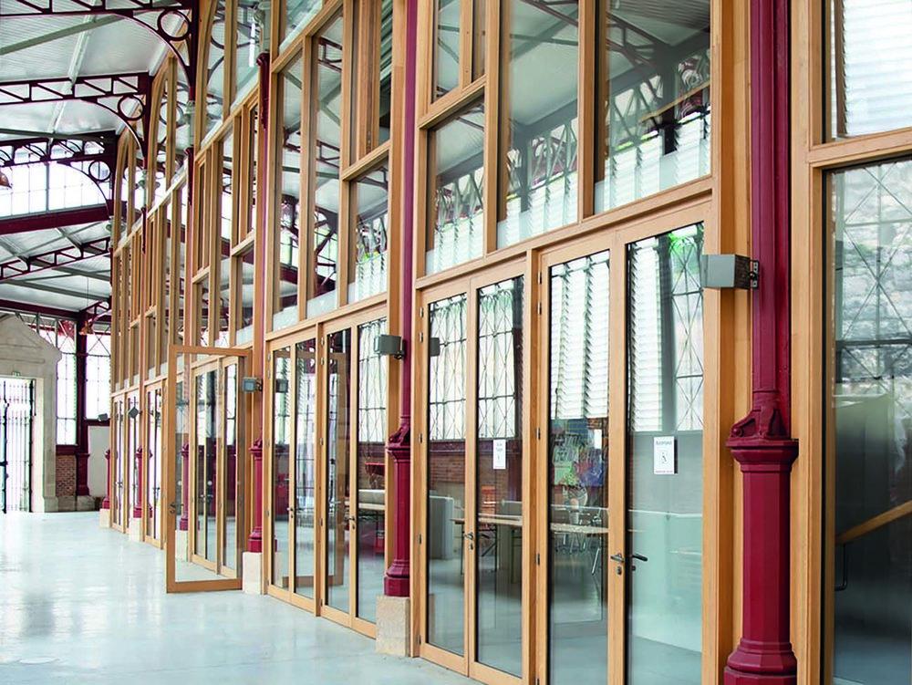 Réhabilitation du marché des douves à Bordeaux, Aquitaine, France  Rénovation patrimoniale d'une halle métallique  Espace culturel et associatif