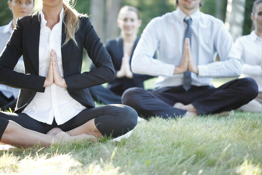 """""""Yoga i alla dess former hjälper dig och ditt företag att skapa ökat fokus, bättre uthållighet och gladare stämning – för alla."""" - Eva & Carina"""