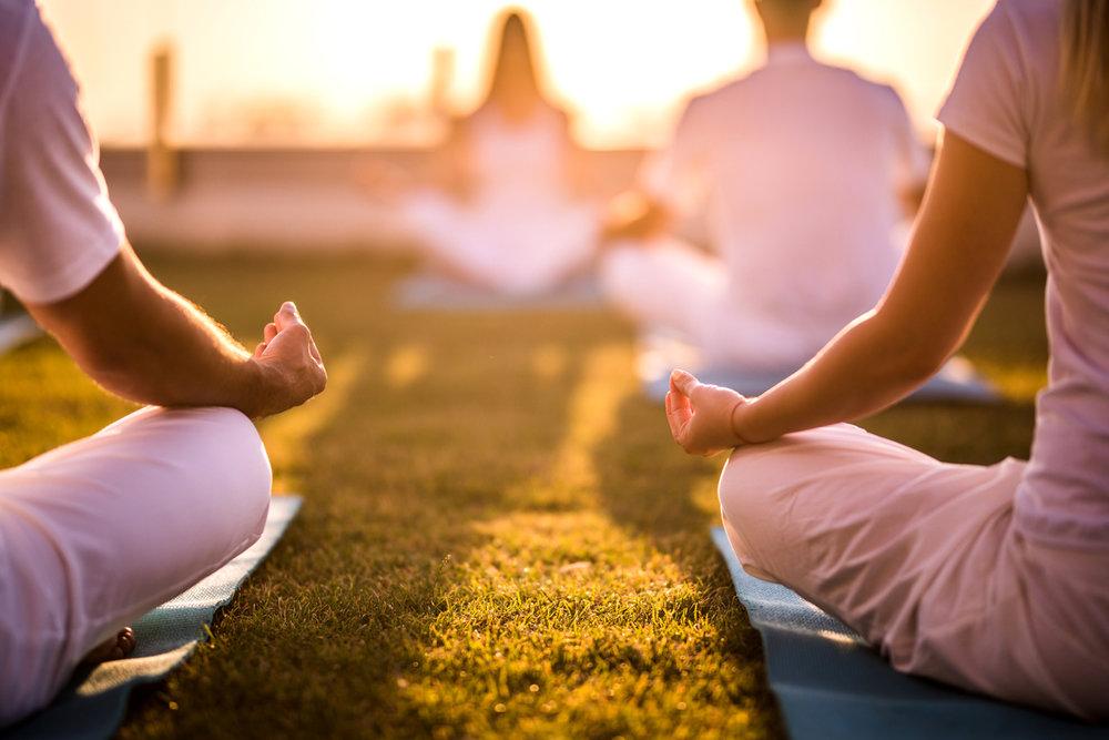 """""""Har du svårt att välja yoga hör bara av dig till oss så lyssnar vi in dina behov och ger förslag på ett upplägg som kan passa dig."""" - Eva & carina"""