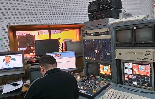 Here, an IRI observer goes behind the scenes in the recording studio to see how TV debates are conducted. Many candidates are not taking full advantage of scheduled regional debates to articulate their platform to voters.