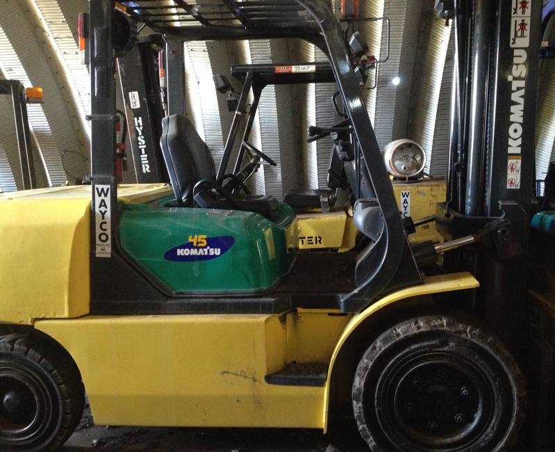 Pre-Owned Used Pneumatic Forklift Komatsu
